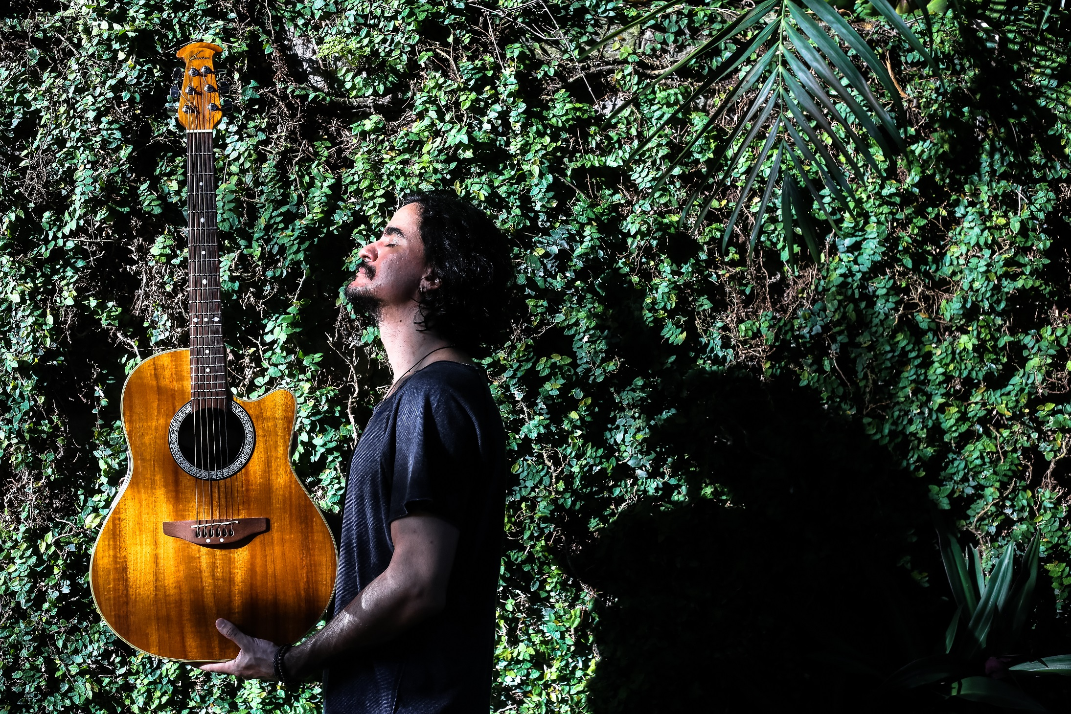 Pernambucano Sergio Gaia lança videoclipe da música Tempos de Pedra, estreando sua carreira solo